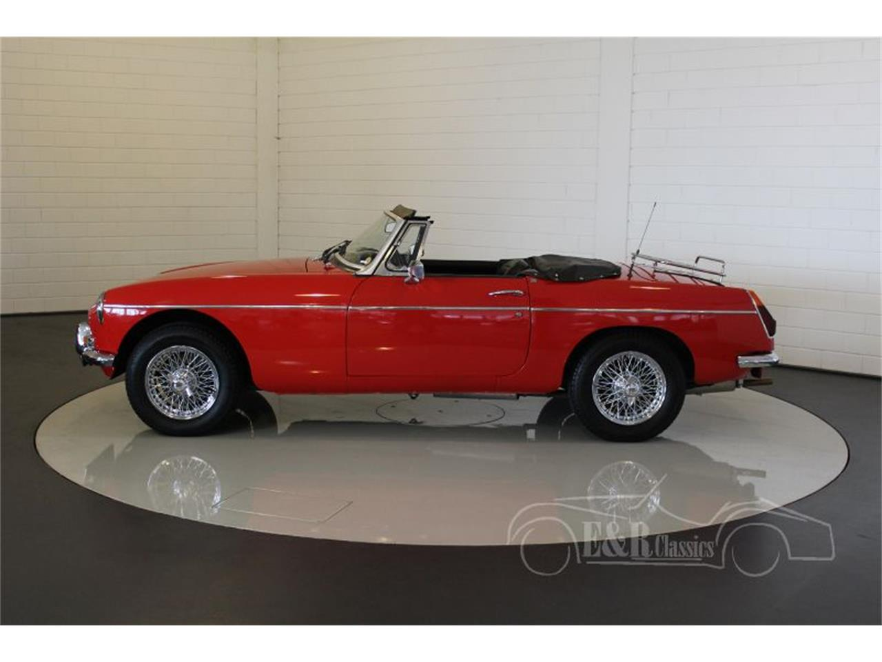 Large Picture of '75 MGB - MCUI