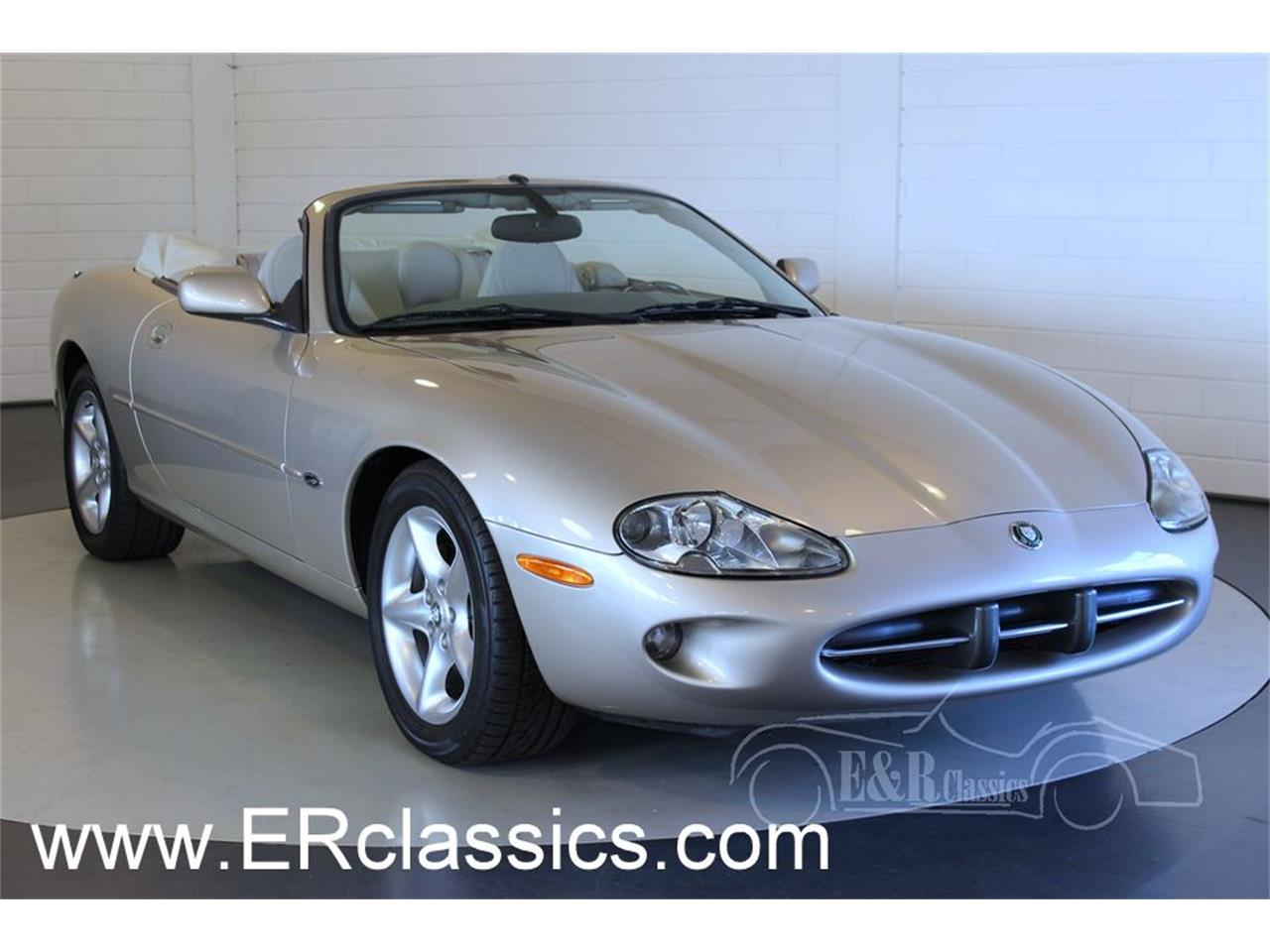 Large Picture of '00 XK8 - $27,100.00 Offered by E & R Classics - MCUP