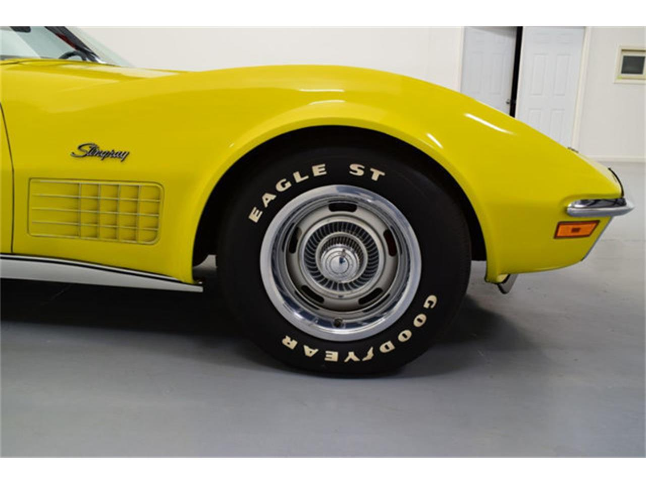 Large Picture of '72 Corvette - MCW2