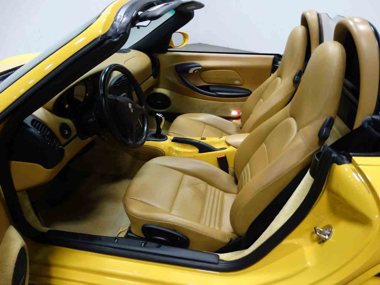 Large Picture of '02 Porsche Boxster located in Tennessee - $16,995.00 - MCYS