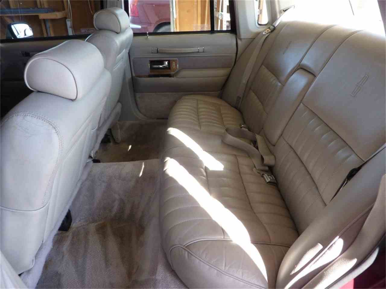 Large Picture of 1991 Lincoln Town Car - MD0S