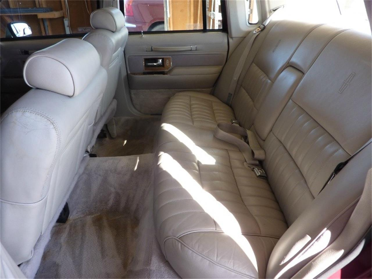 Large Picture of '91 Lincoln Town Car located in Ontario California Offered by WDC Global Exports - MD0S
