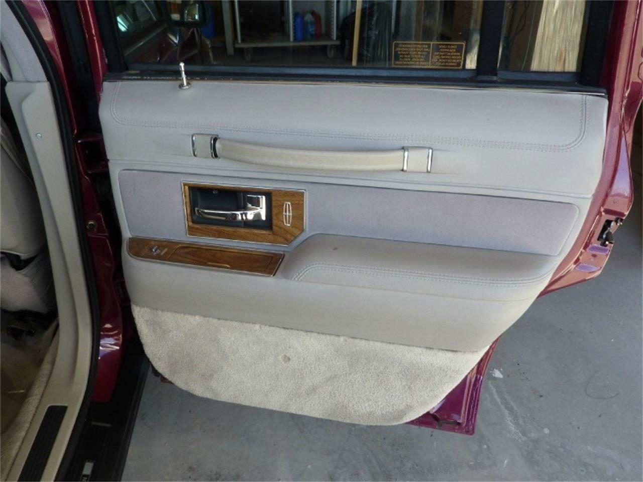 Large Picture of 1991 Lincoln Town Car located in California - $1,999.00 Offered by WDC Global Exports - MD0S