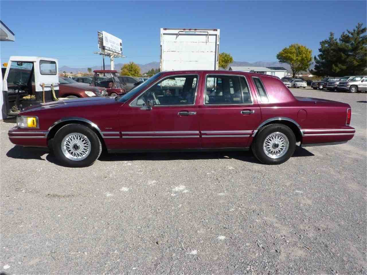 Large Picture of 1991 Lincoln Town Car - $1,999.00 - MD0S