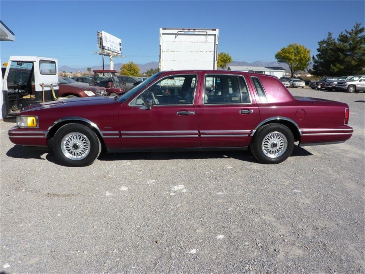 Large Picture of 1991 Town Car located in Ontario California - MD0S