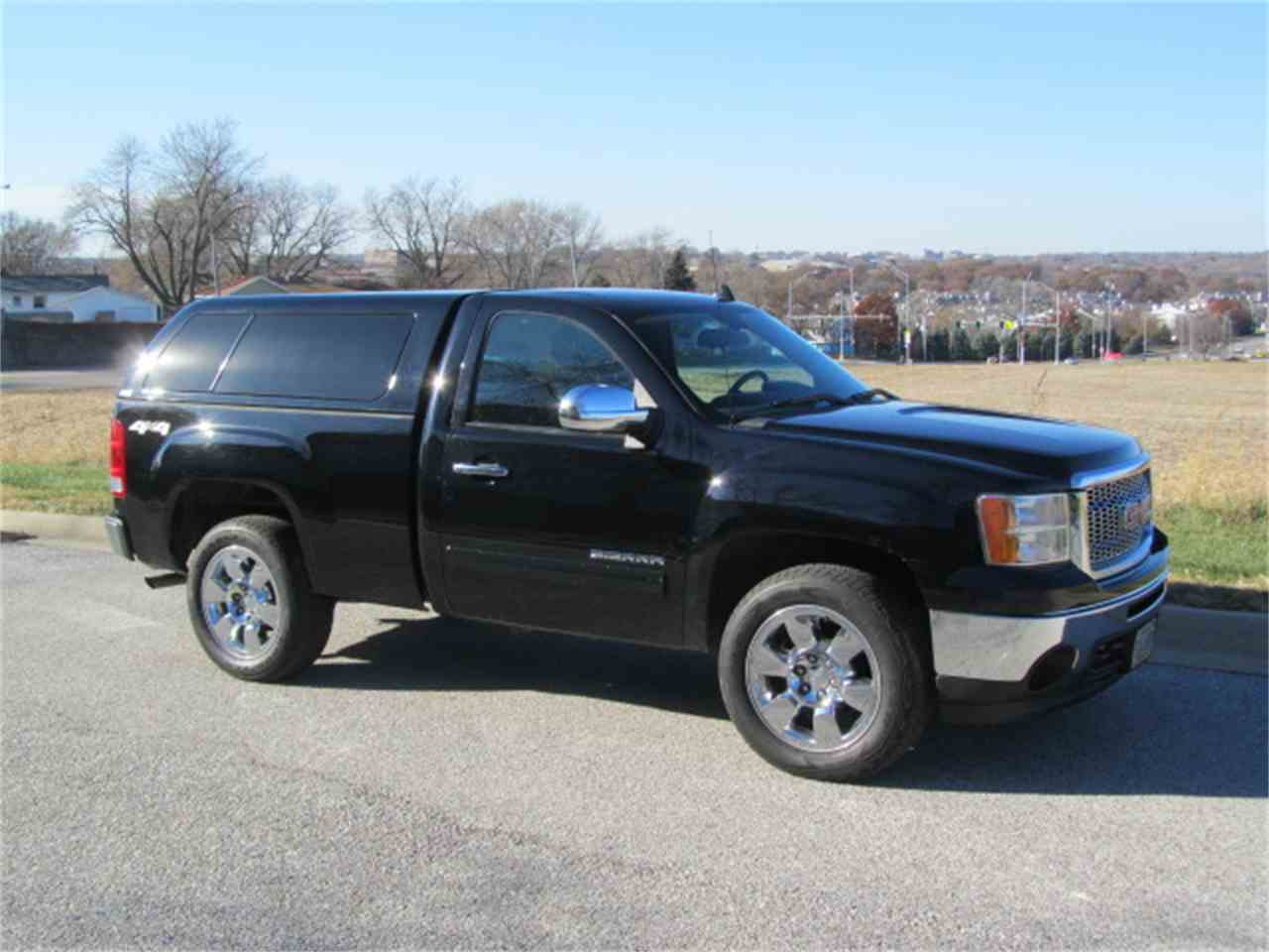 Large Picture of '11 Sierra - MD2Y