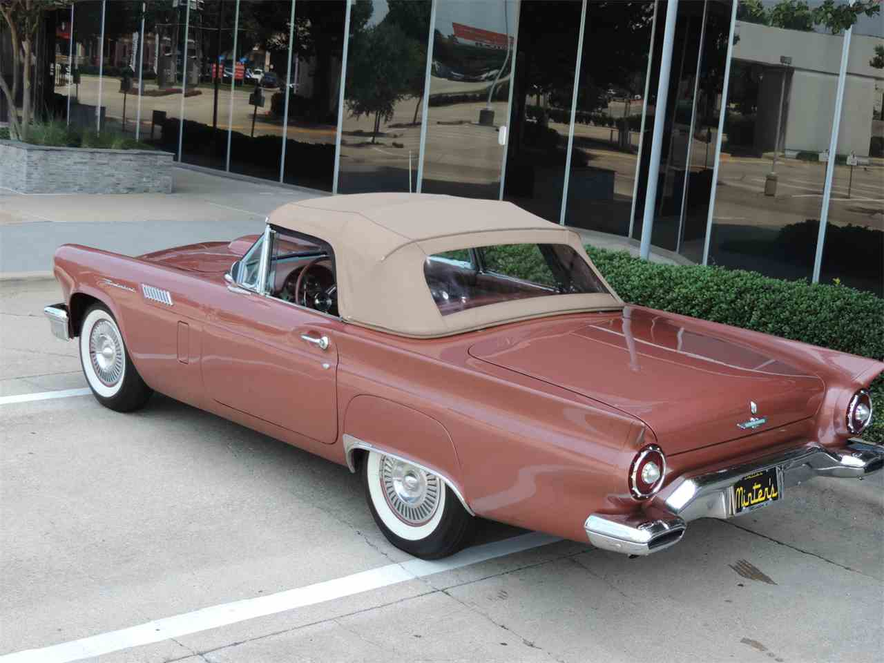 Large Picture of 1957 Ford Thunderbird located in Dallas Texas - MD3L
