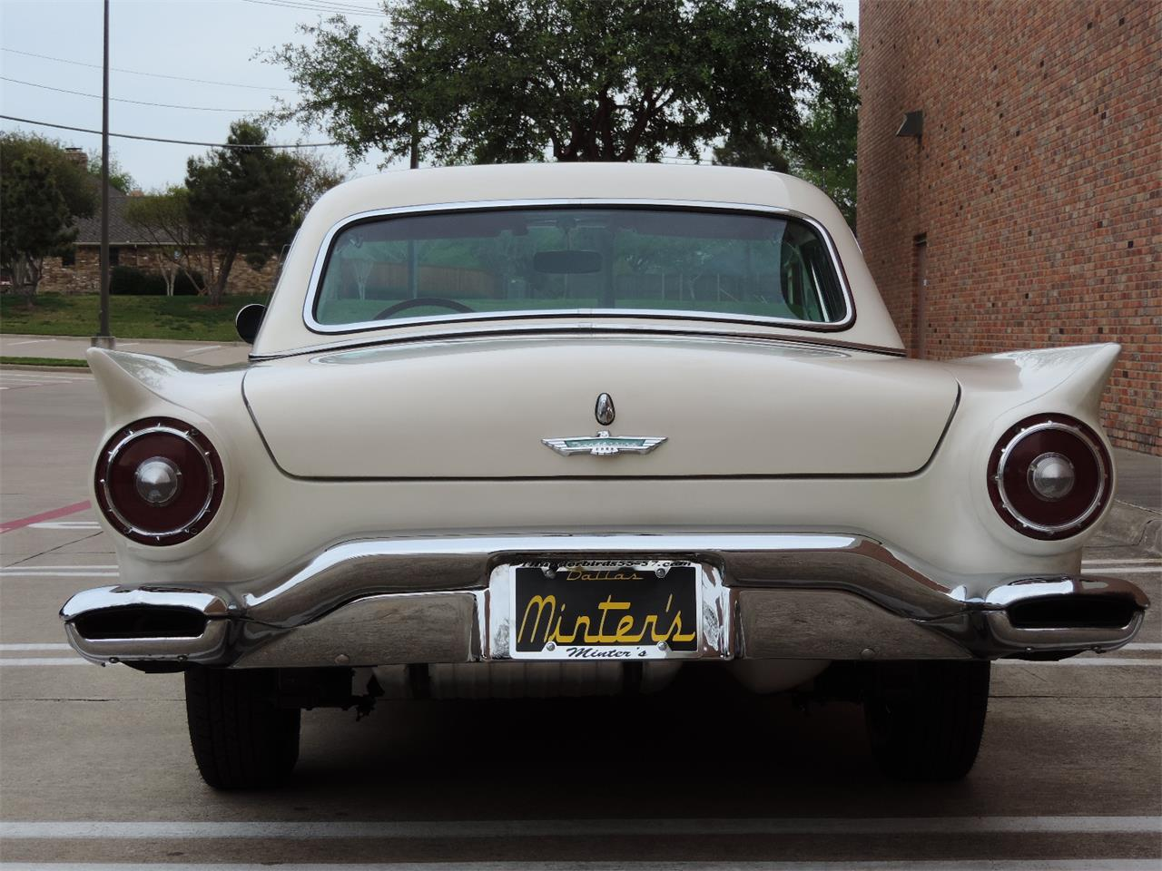 Large Picture of Classic '57 Ford Thunderbird located in Dallas Texas - MD3N