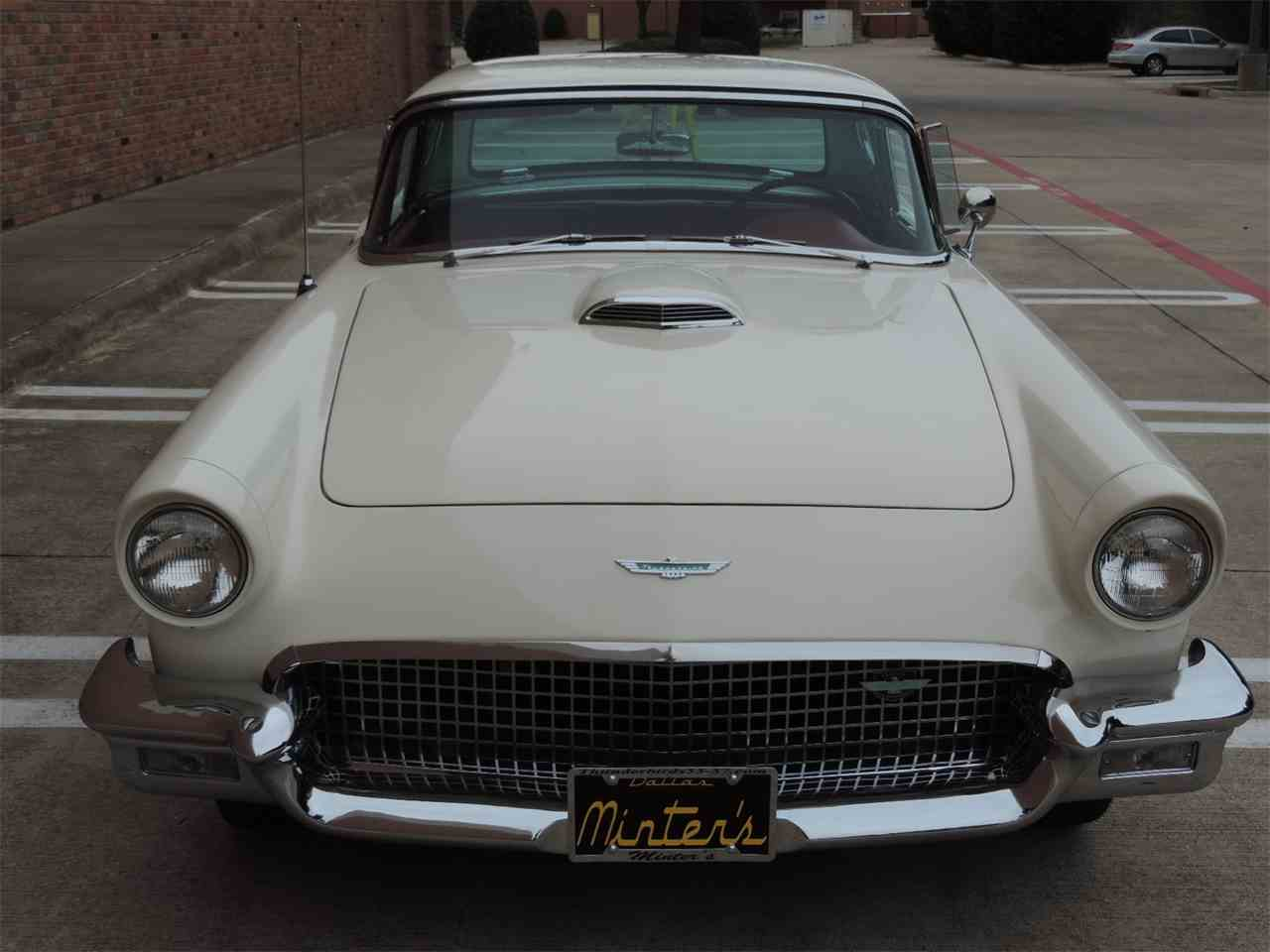 Large Picture of Classic 1957 Ford Thunderbird located in Dallas Texas - MD3N