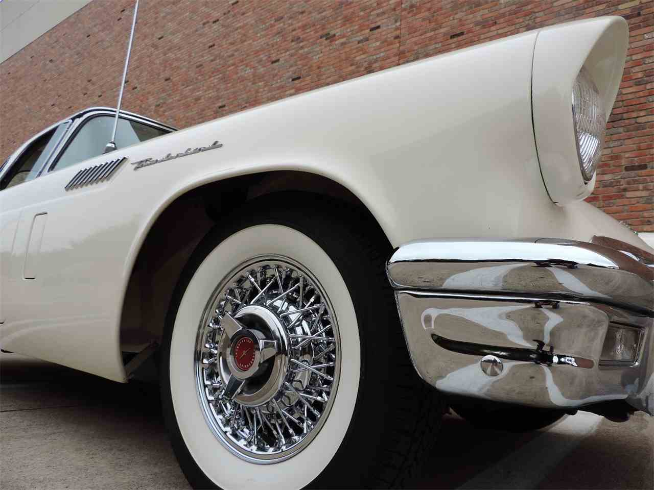 Large Picture of '57 Thunderbird - MD3N