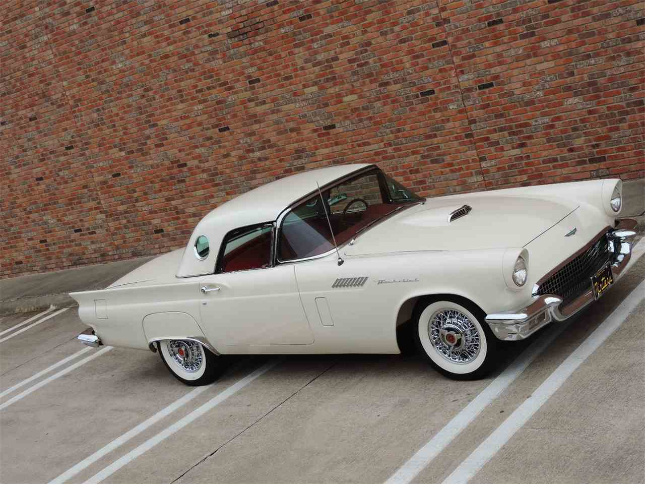 Large Picture of '57 Thunderbird located in Texas - MD3N