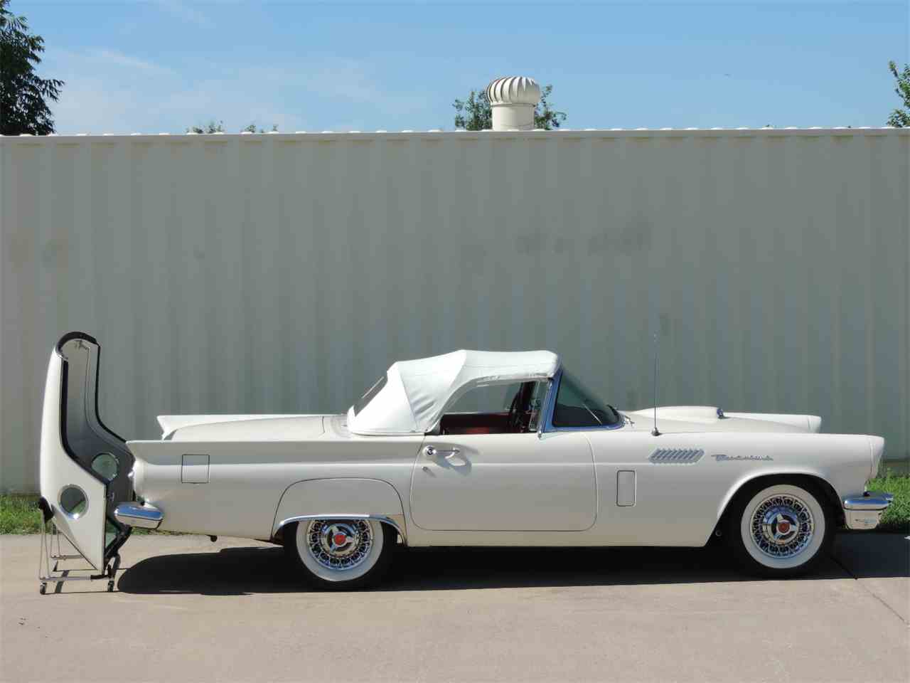 Large Picture of Classic '57 Ford Thunderbird located in Texas Offered by Amos Minter's Thunderbirds - MD3N