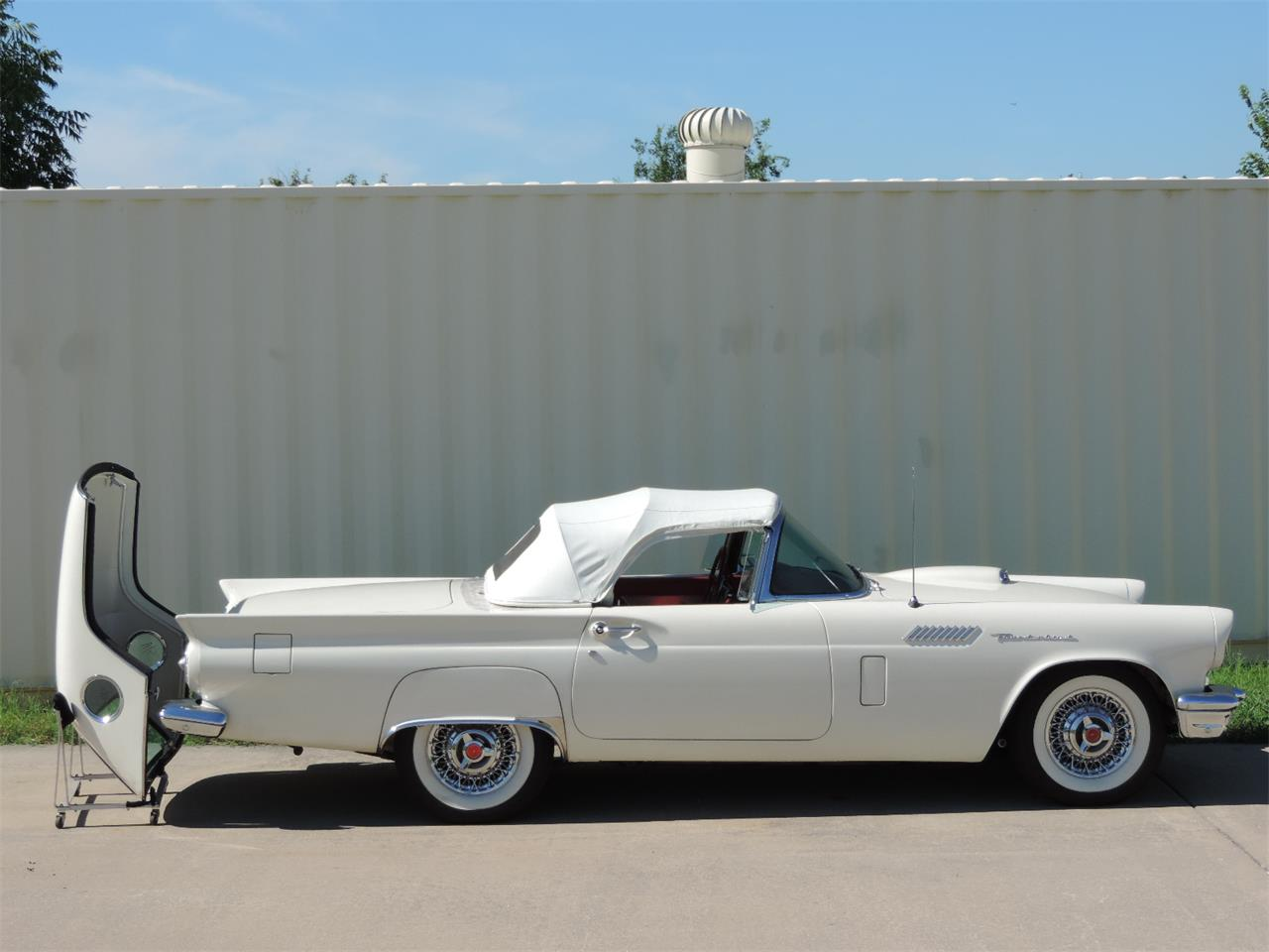 Large Picture of Classic 1957 Ford Thunderbird - $79,500.00 - MD3N