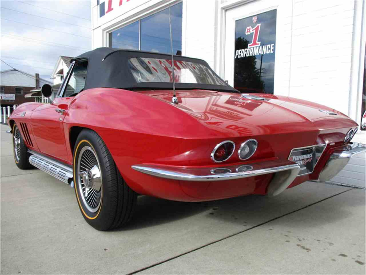 Large Picture of '66 Corvette - MD5B