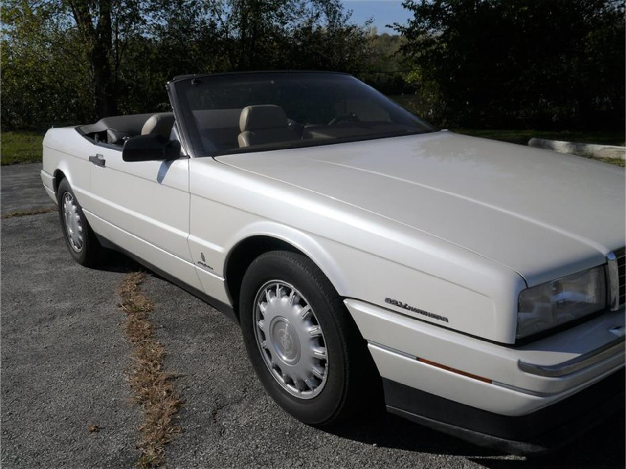 Large Picture of 1993 Allante located in Illinois Offered by Midwest Car Exchange - MD78