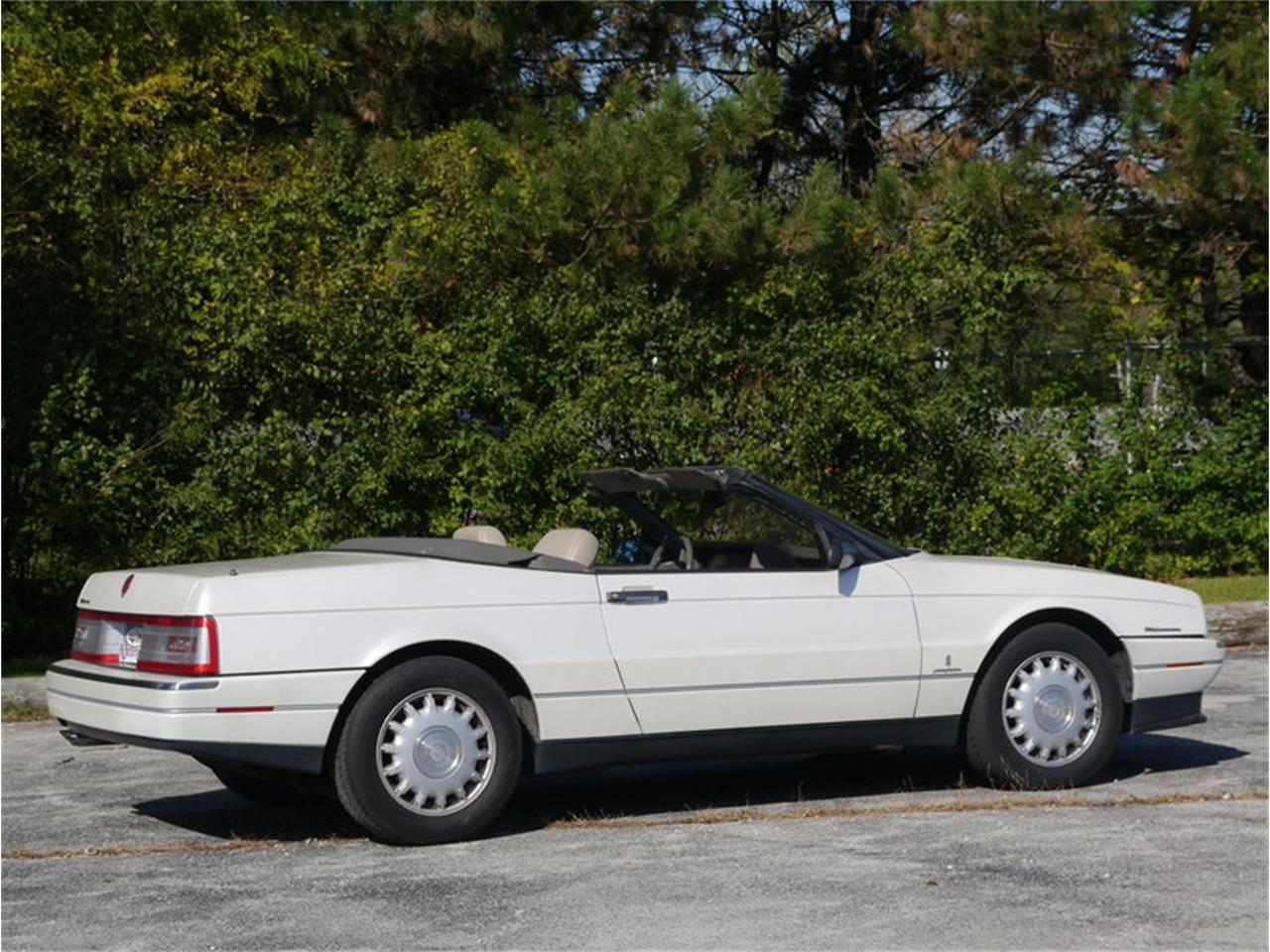 Large Picture of '93 Allante Offered by Midwest Car Exchange - MD78
