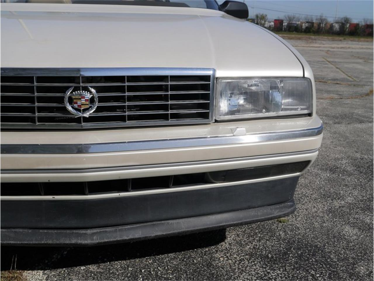 Large Picture of '93 Cadillac Allante located in Illinois - MD78