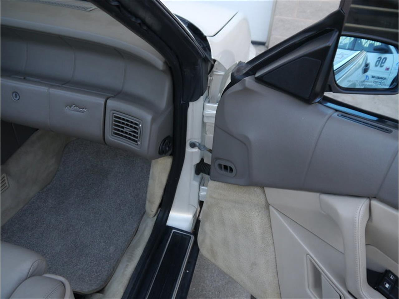 Large Picture of 1993 Cadillac Allante located in Illinois Offered by Midwest Car Exchange - MD78