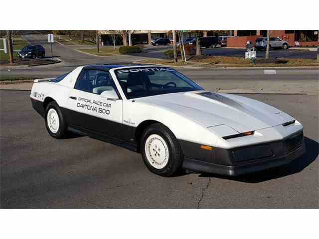 Picture of 1983 Pontiac Firebird located in Loveland Ohio - $10,900.00 Offered by  - MD9S