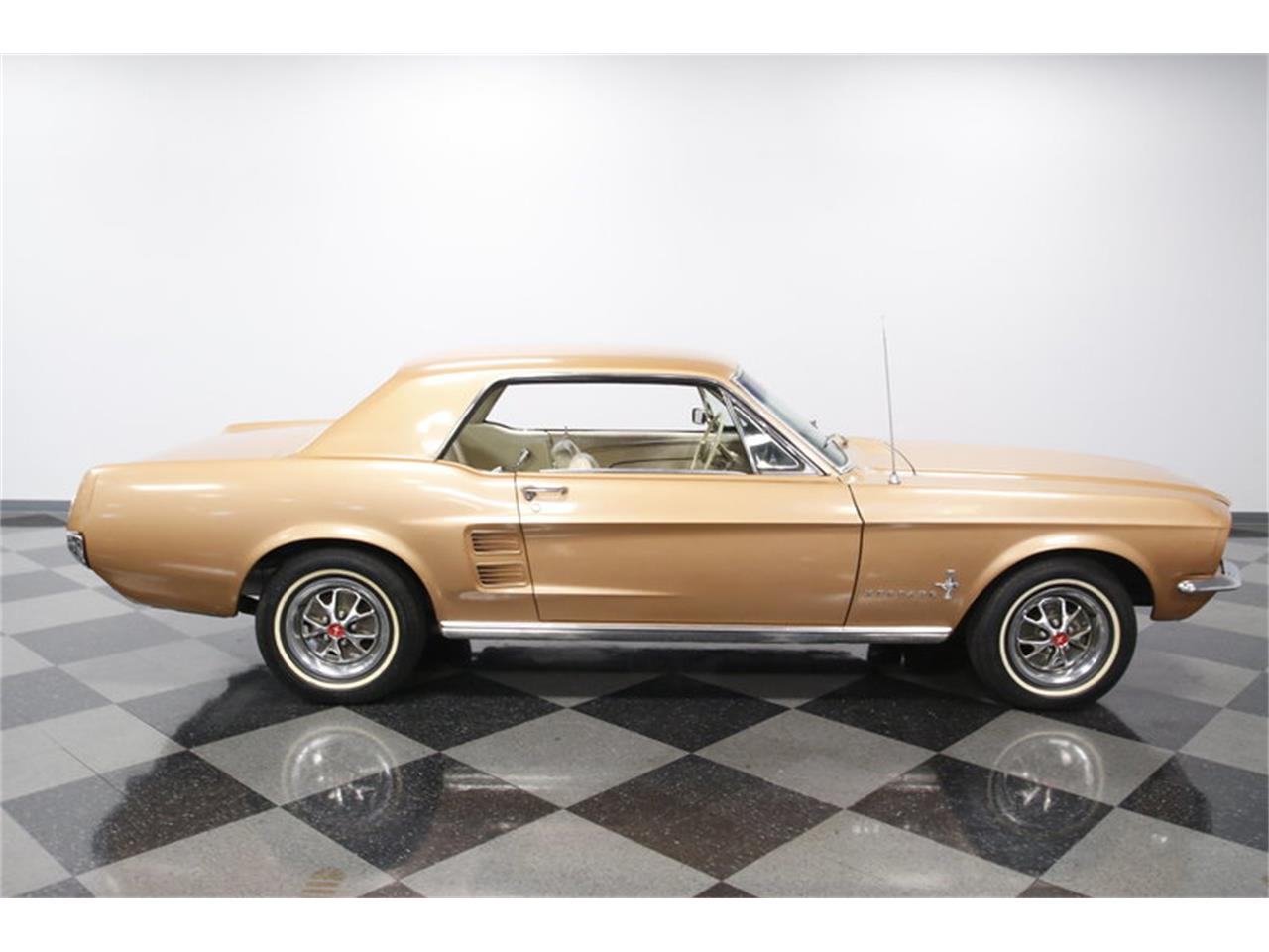 Large Picture of '67 Mustang - MDC9