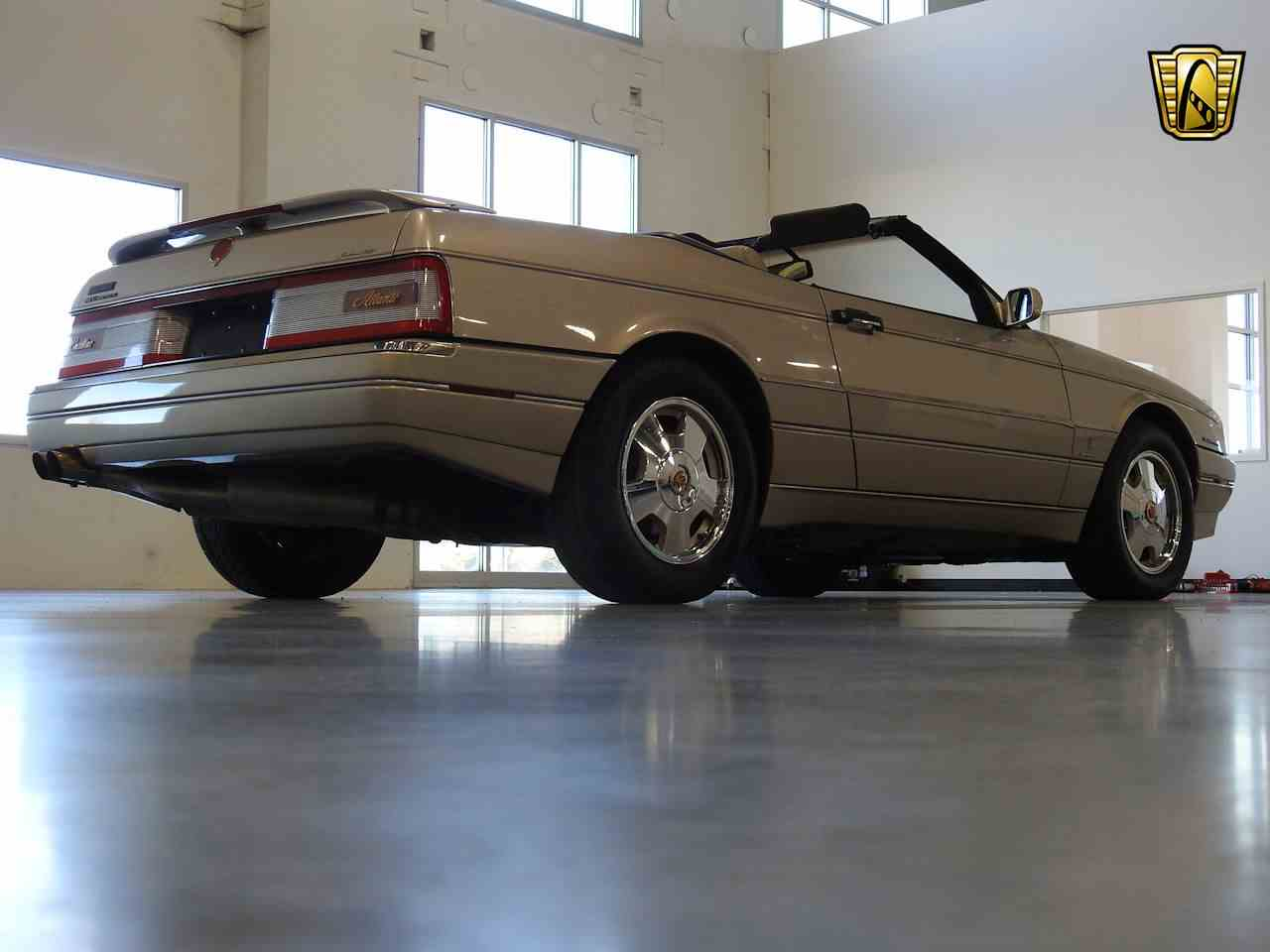 Large Picture of 1993 Cadillac Allante - MDHG