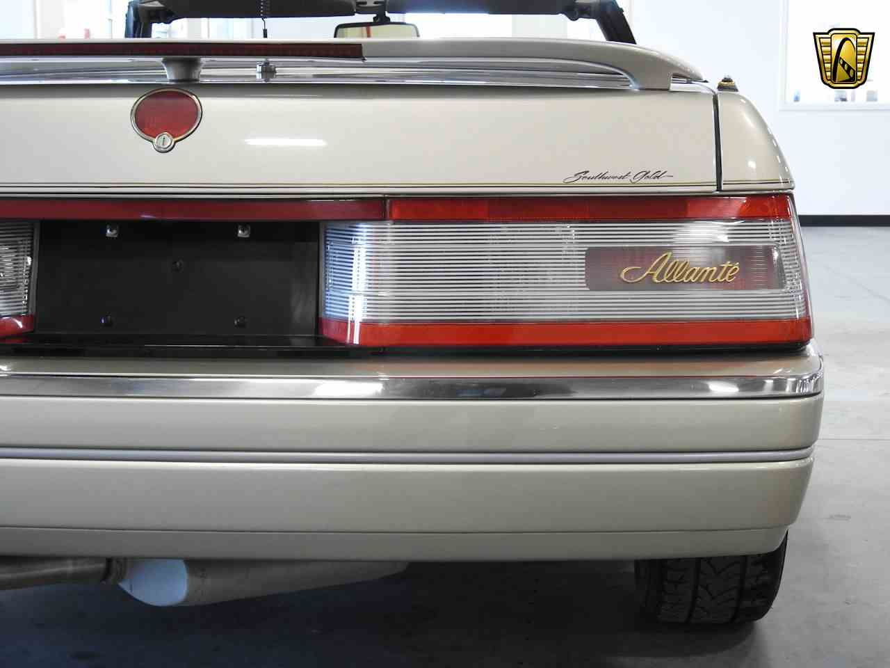 Large Picture of '93 Cadillac Allante located in Kenosha Wisconsin - $8,995.00 - MDHG