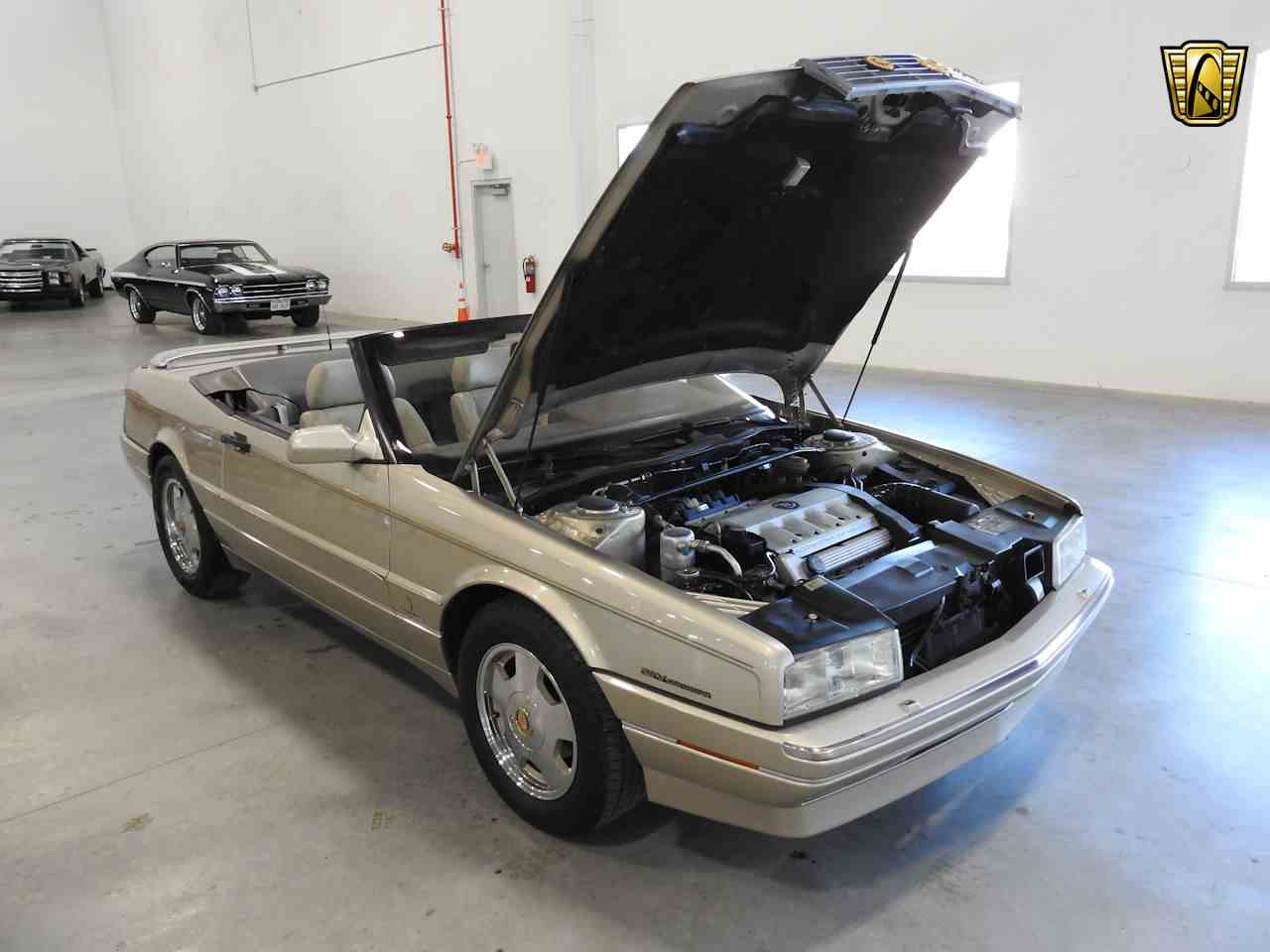 Large Picture of '93 Cadillac Allante located in Wisconsin - MDHG