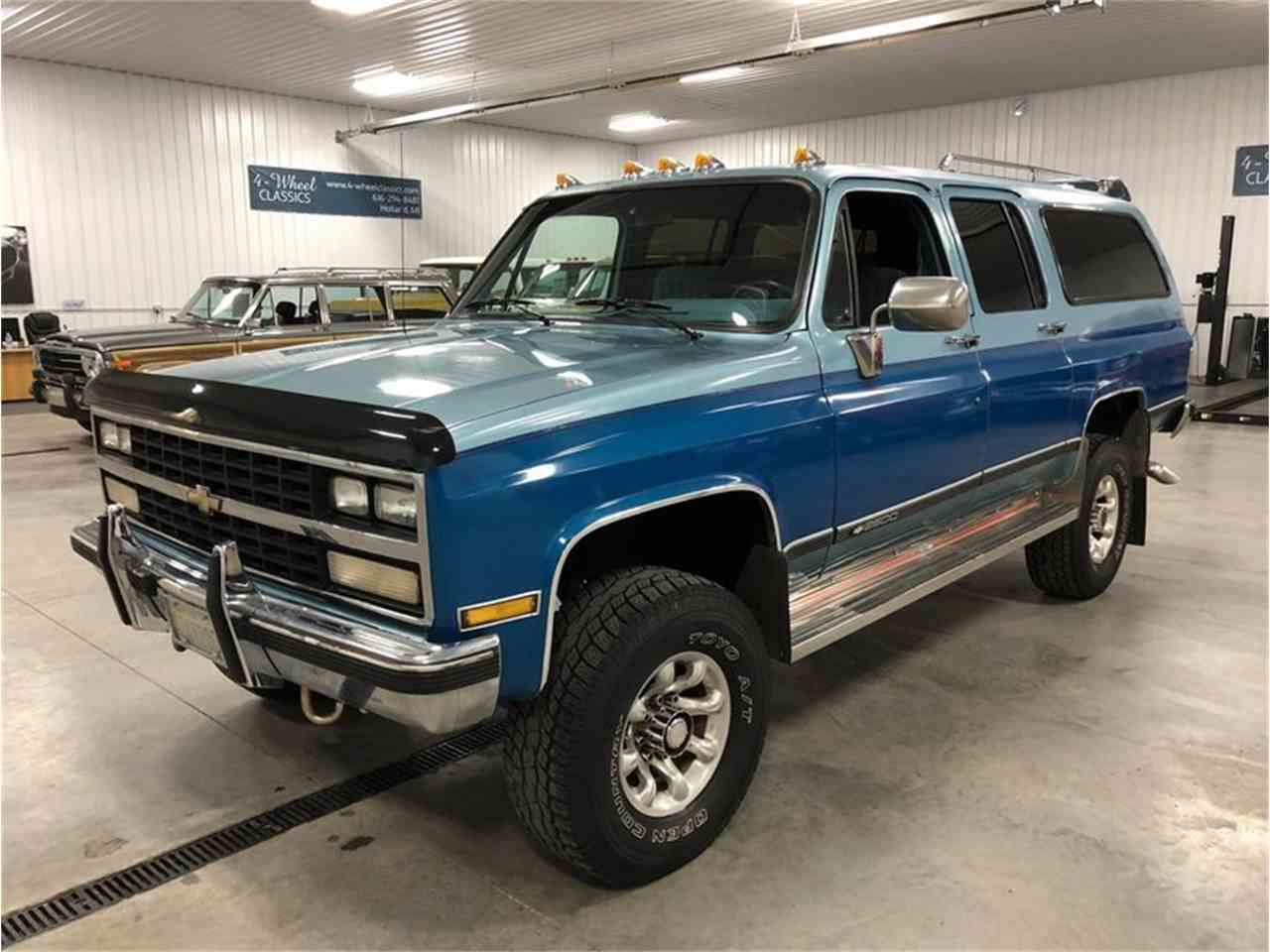 Large Picture of '89 Chevrolet Suburban - $14,900.00 - MDKX