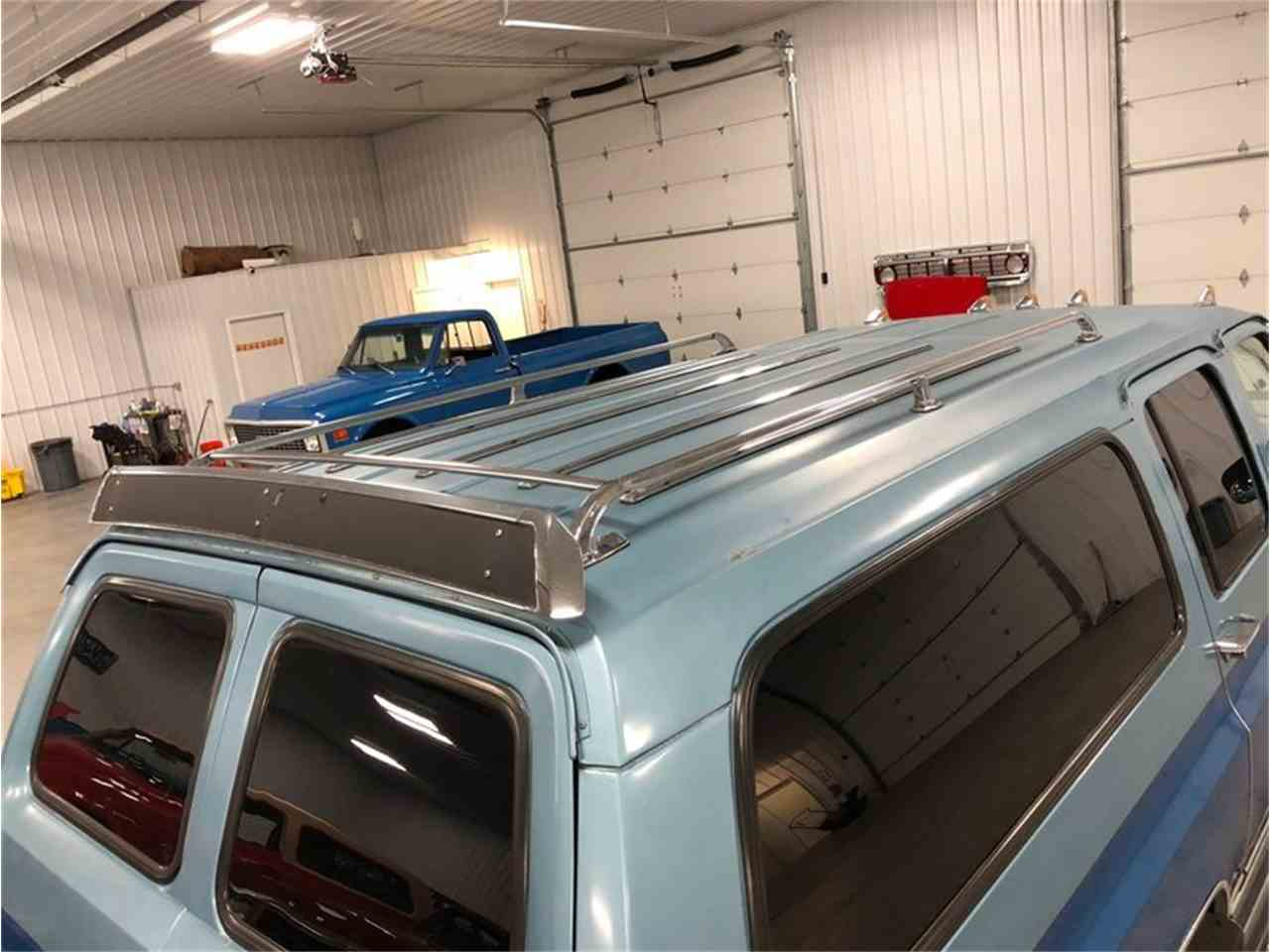 Large Picture of 1989 Chevrolet Suburban Offered by 4-Wheel Classics - MDKX