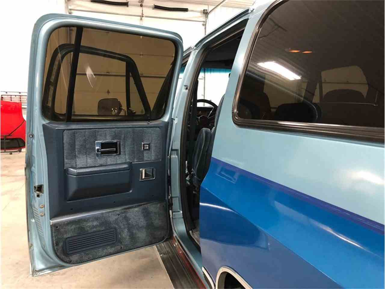 Large Picture of '89 Suburban - $14,900.00 Offered by 4-Wheel Classics - MDKX