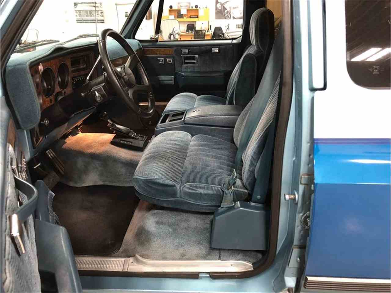 Large Picture of '89 Chevrolet Suburban Offered by 4-Wheel Classics - MDKX
