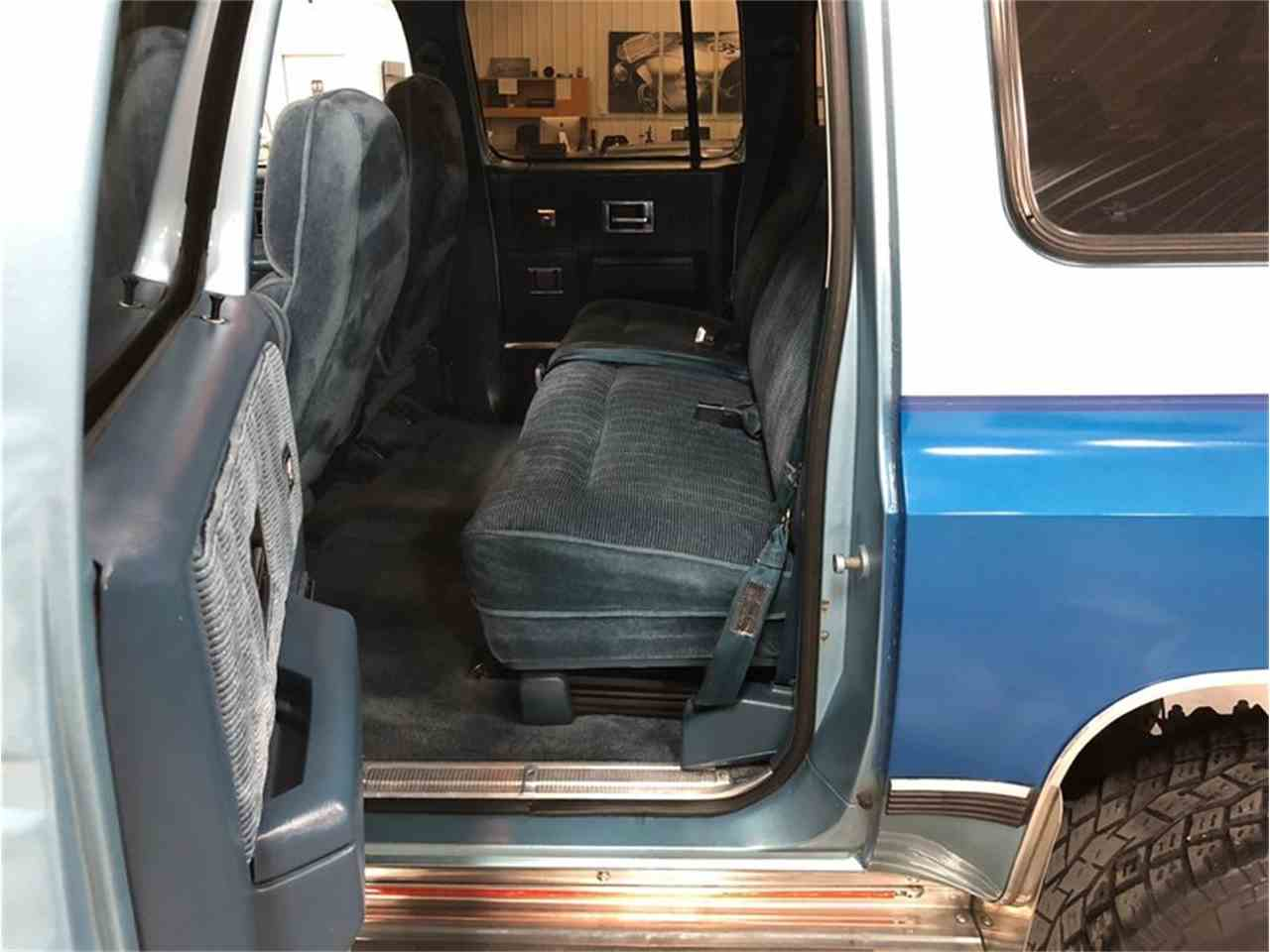 Large Picture of '89 Chevrolet Suburban - $14,900.00 Offered by 4-Wheel Classics - MDKX