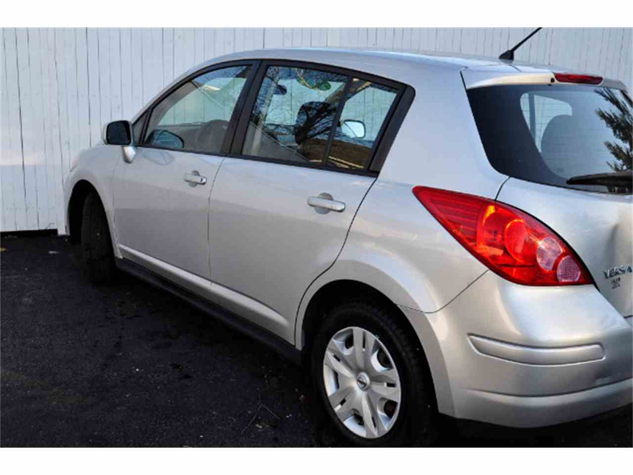 Large Picture of 2011 Versa located in New Hampshire - MDL5