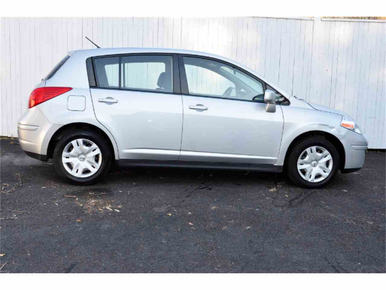 Large Picture of 2011 Nissan Versa - $3,995.00 Offered by Horseless Carriage - MDL5