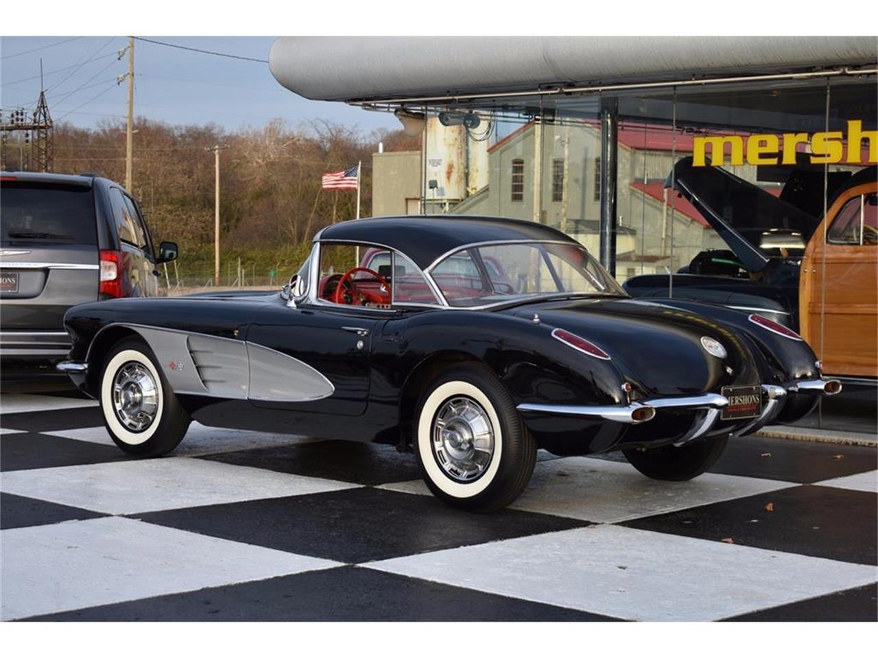 Large Picture of '60 Corvette - MDOE