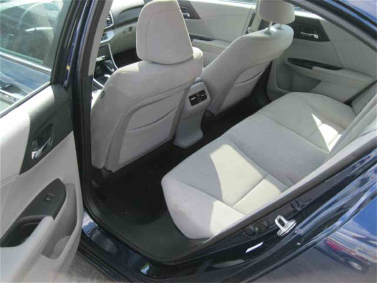 Large Picture of 2014 Honda Accord - $14,990.00 Offered by Goetzman Motorcar LLC - MDOS