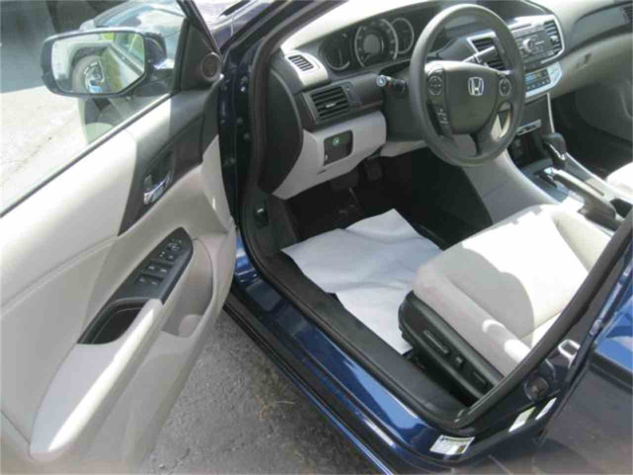 Large Picture of 2014 Honda Accord - MDOS