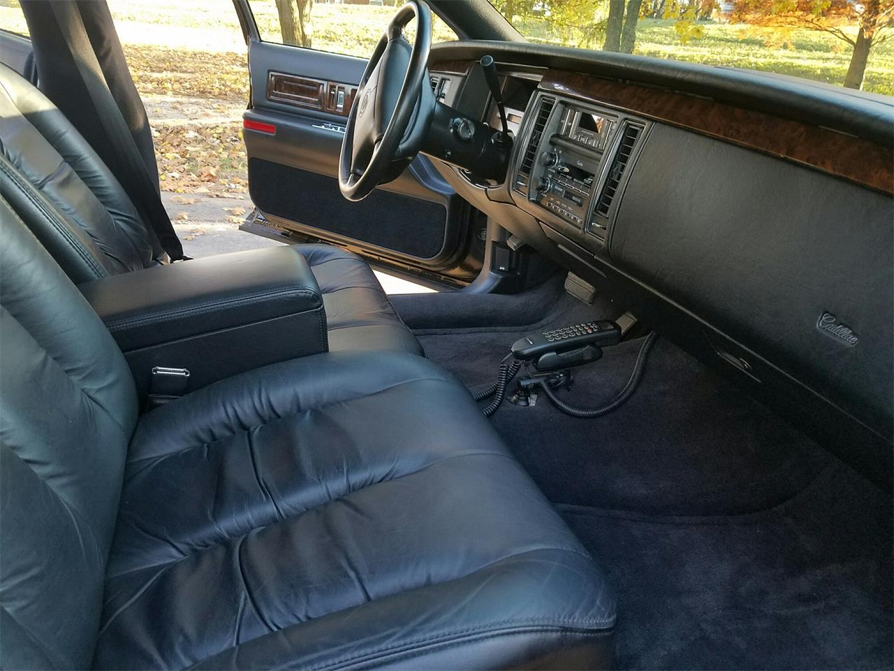 Large Picture of '95 Fleetwood Brougham located in Ohio - $18,500.00 - MDQ0