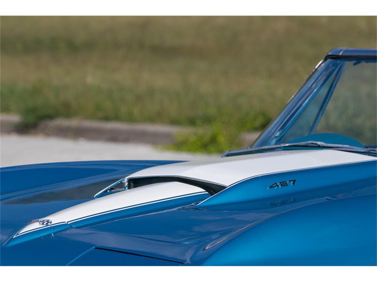 Large Picture of Classic '67 Chevrolet Corvette - MDUJ
