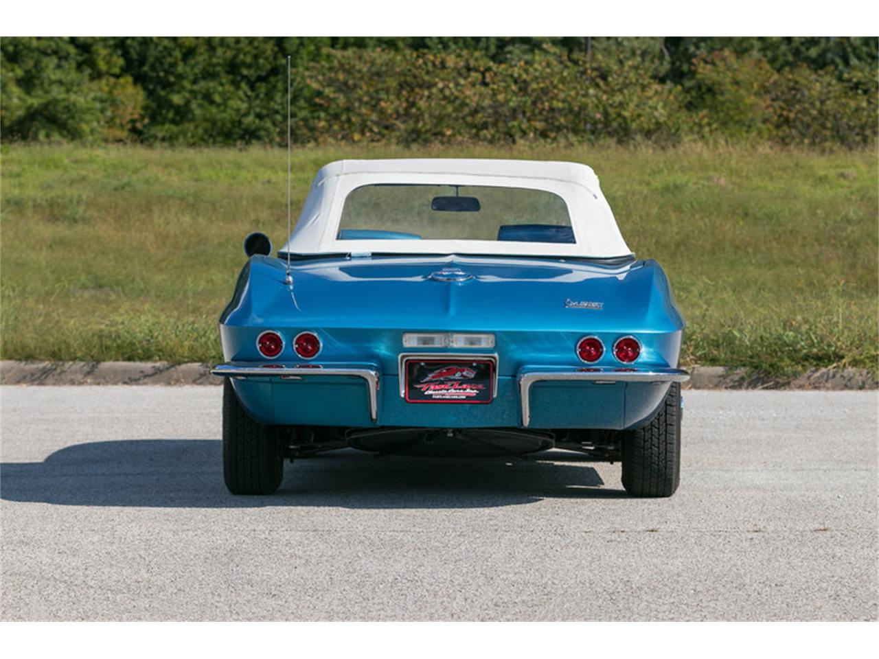 Large Picture of 1967 Chevrolet Corvette Offered by Fast Lane Classic Cars Inc. - MDUJ