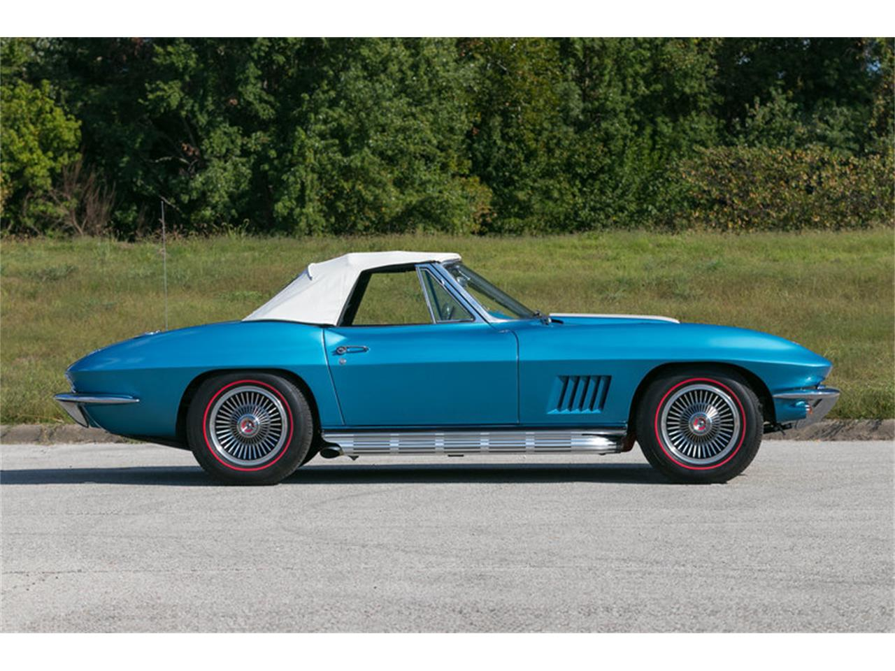 Large Picture of Classic 1967 Chevrolet Corvette located in St. Charles Missouri - $99,995.00 - MDUJ