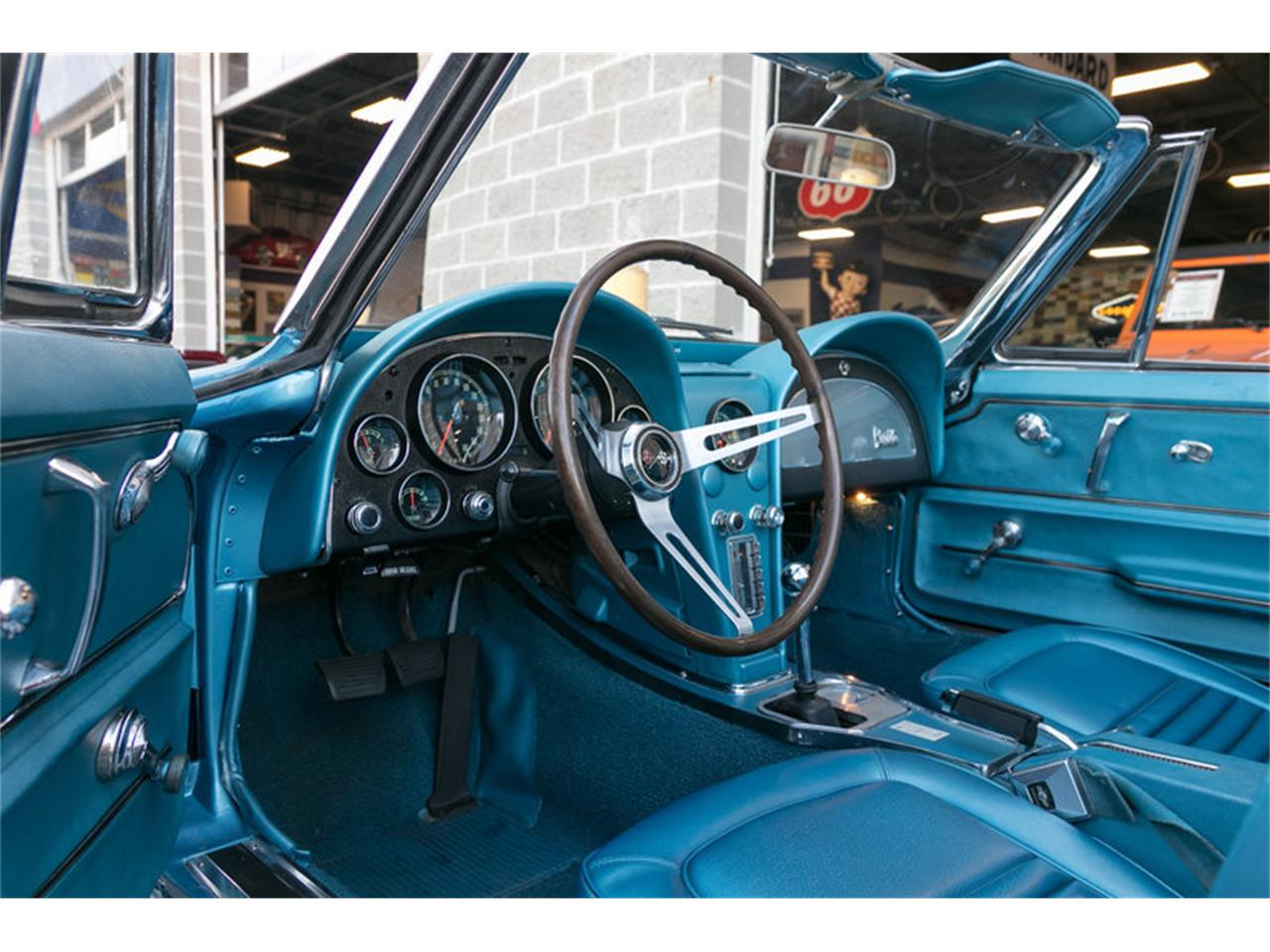 Large Picture of Classic 1967 Corvette Offered by Fast Lane Classic Cars Inc. - MDUJ