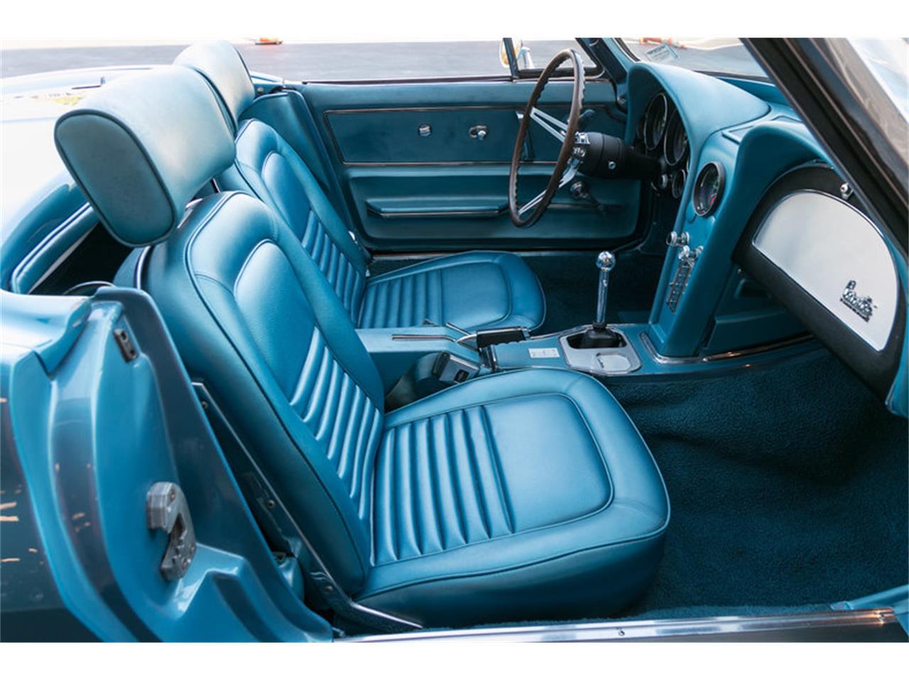 Large Picture of Classic 1967 Chevrolet Corvette - MDUJ