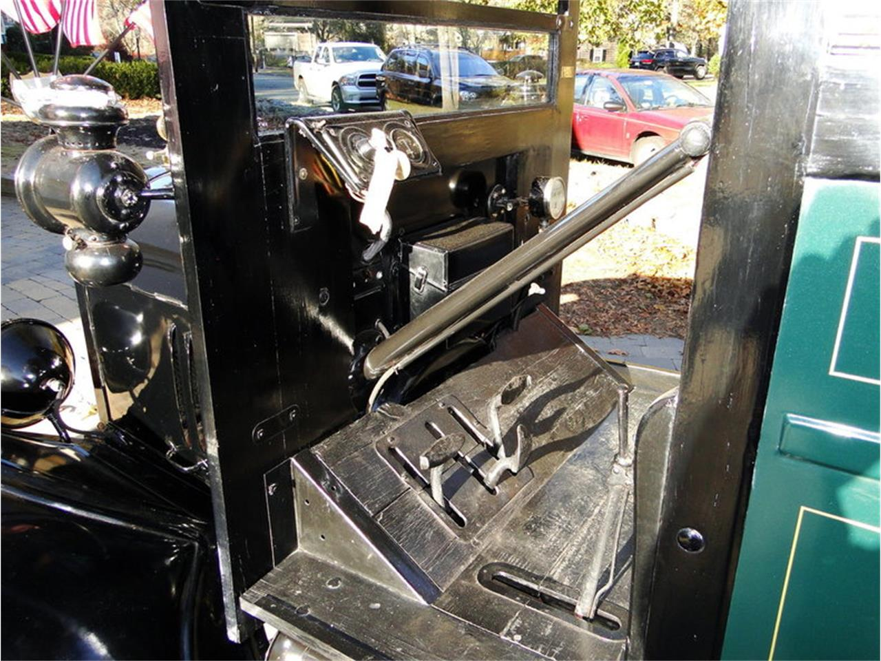 Large Picture of '23 Ford 1-Ton Pickup Offered by Legendary Motors LLC - MDY5