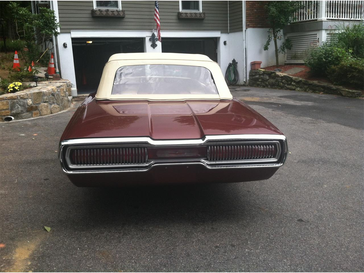 Large Picture of '66 Thunderbird - ME31