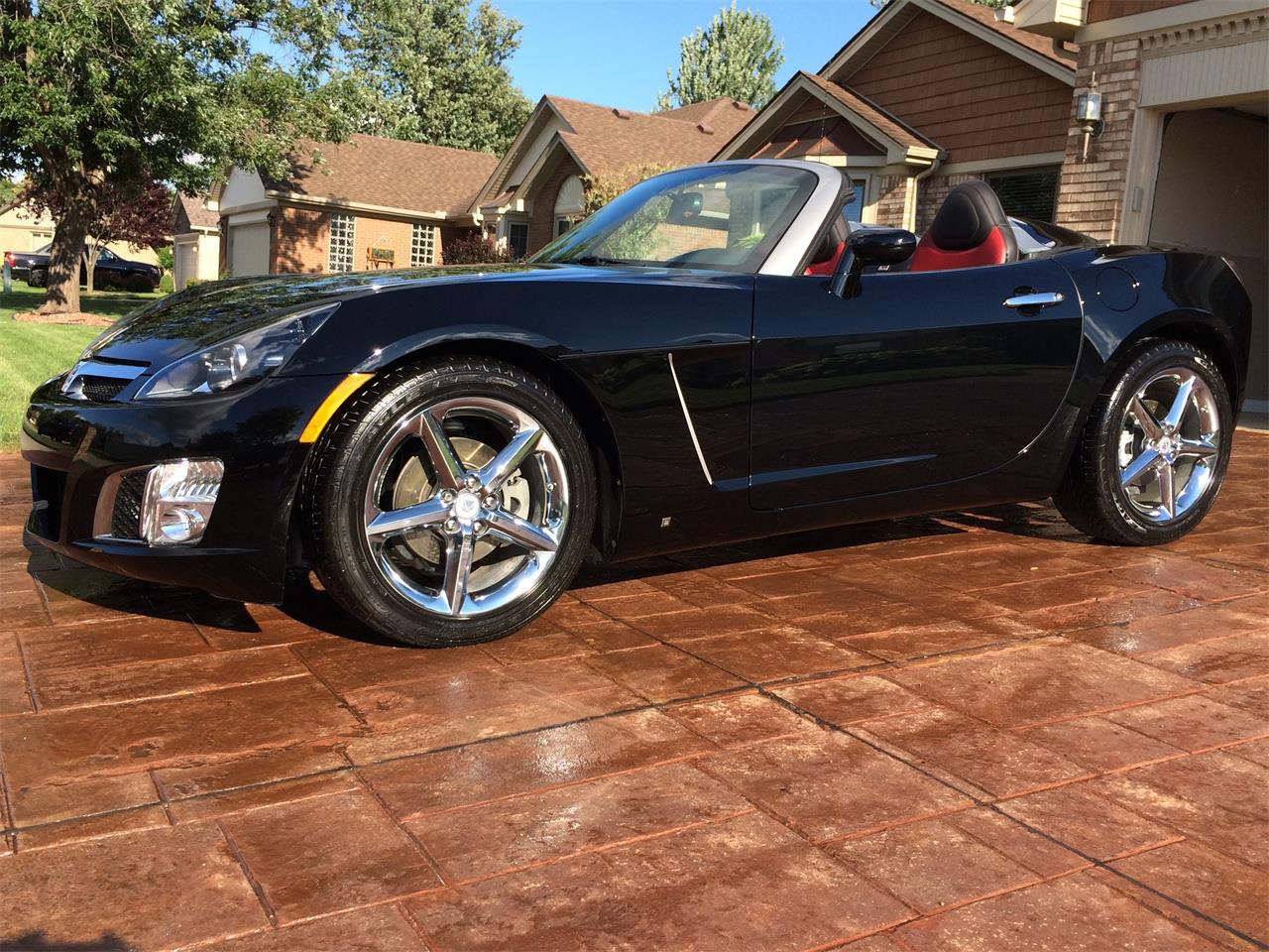 Large Picture of 2009 Saturn Sky located in Michigan Offered by a Private Seller - ME3X