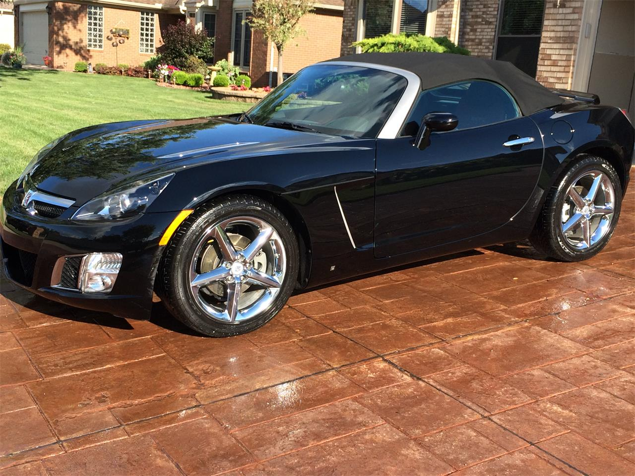 Large Picture of '09 Saturn Sky located in Michigan Offered by a Private Seller - ME3X