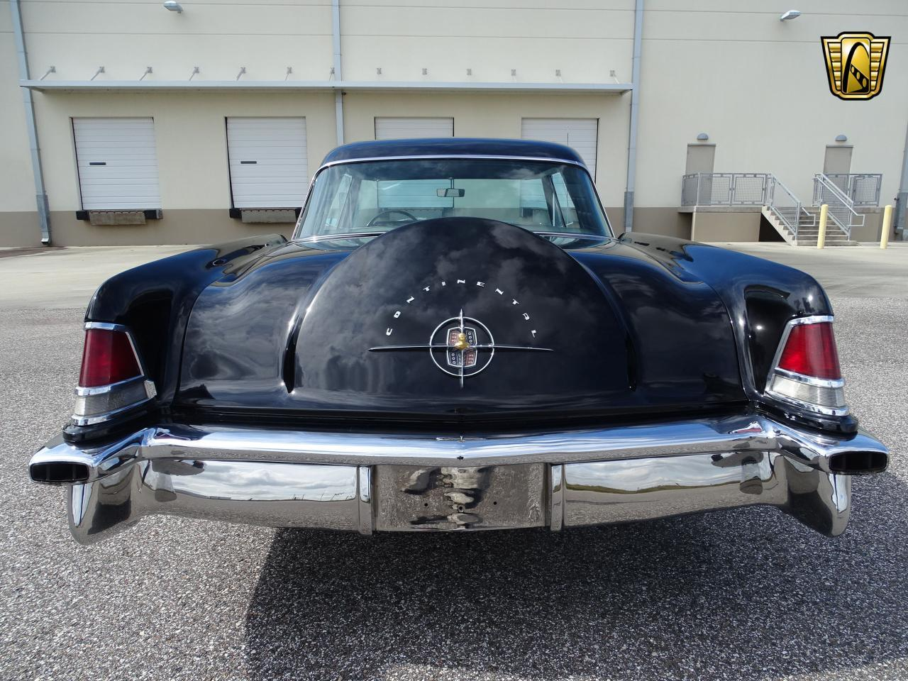 Large Picture of Classic 1956 Lincoln Continental - ME5D