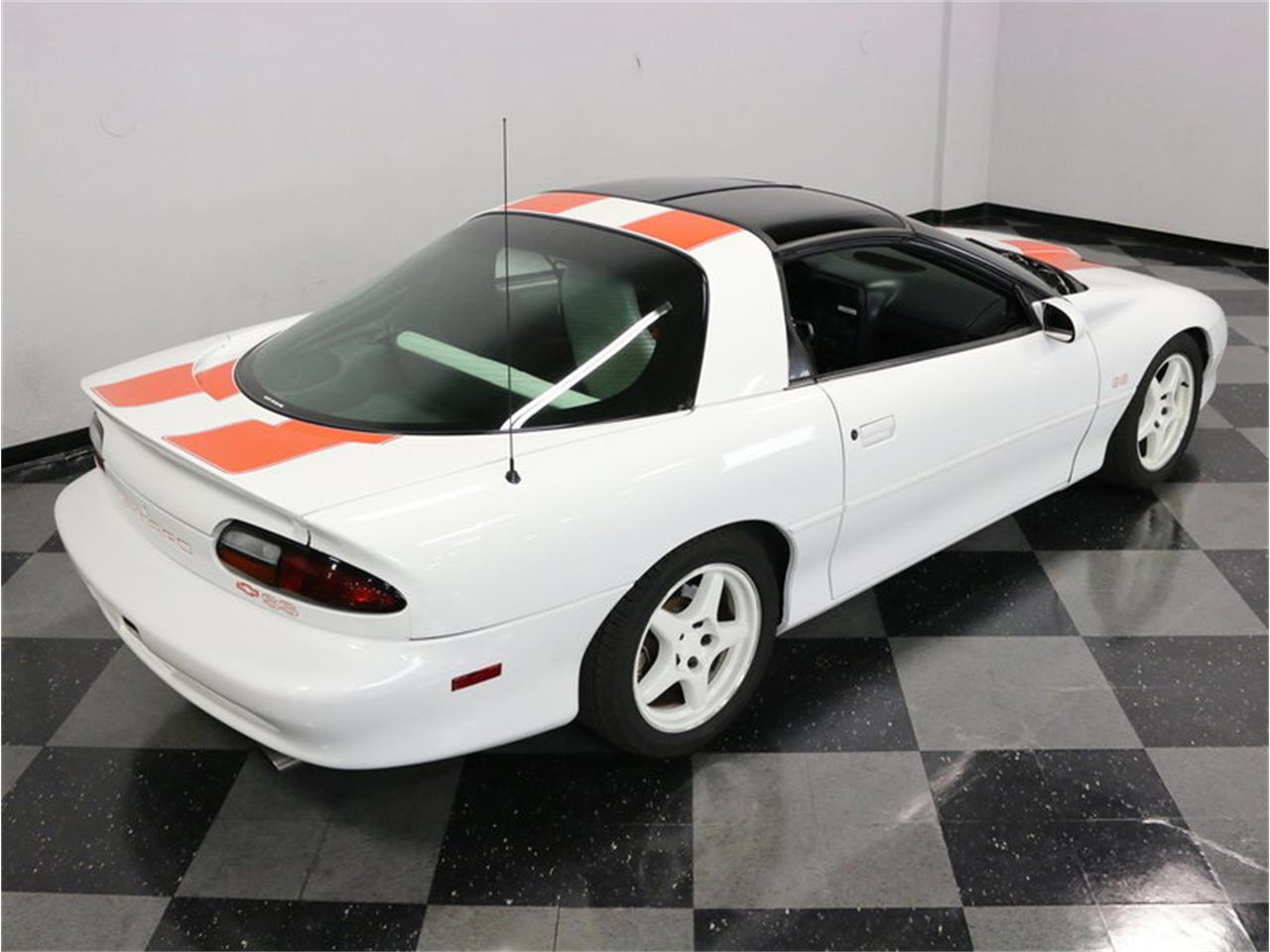 Large Picture of '97 Camaro SS 30th Anniversary SLP Edition - MAV1