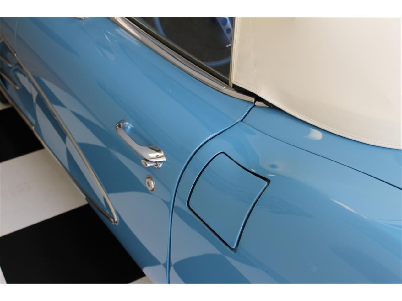 Large Picture of '61 Corvette - MEGZ